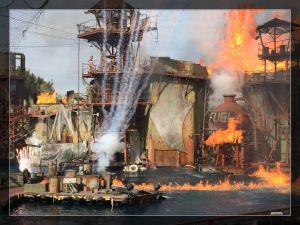 Mit viel Krach, boom und bang geht es ab wie Schmidt's Katze bei der Waterworld-Show. Da brennt es ganz ordentlich...uiuiui