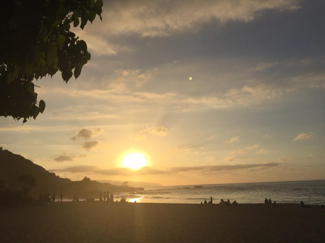 Sonnenuntergang am Waimea Beach Park.