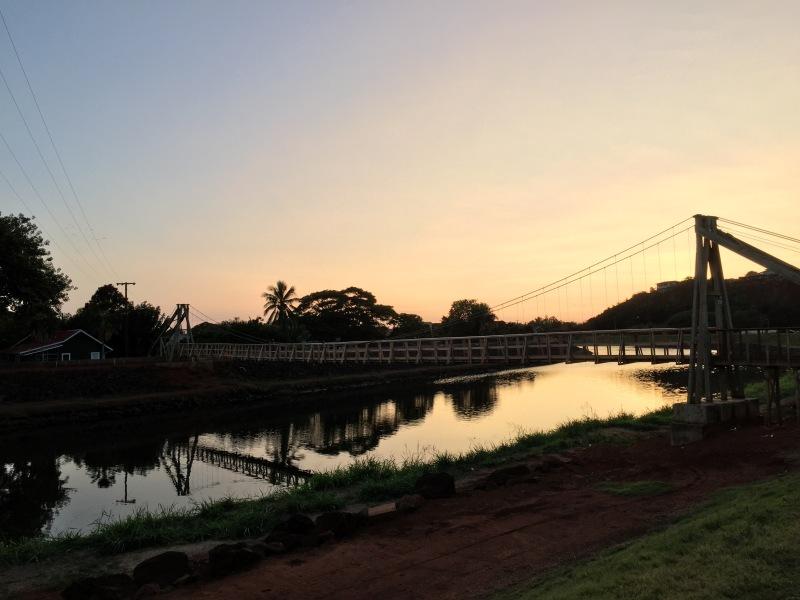 Swinging Bridge im Sonnenuntergang in Hanapepe