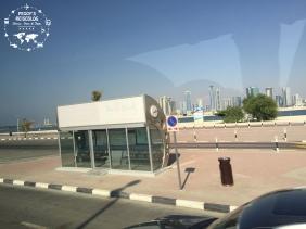 In Dubai gibt es nix, was es nicht gibt. Es gibt sogar klimatisierte Bushaltestellen.
